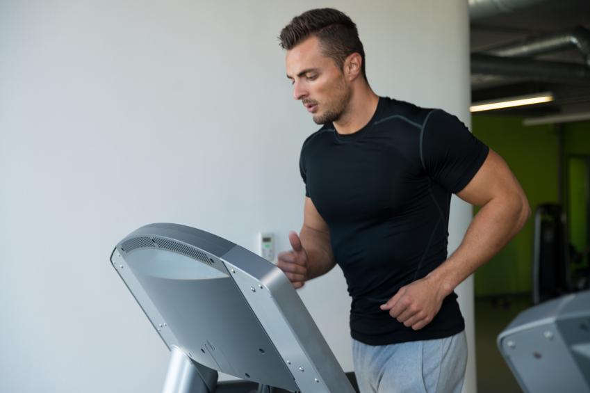 Какие преимущества дают тренировки на беговой дорожке?