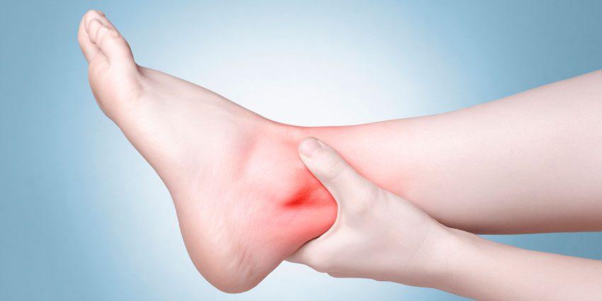 Растяжение голеностопного сустава болит thumbnail