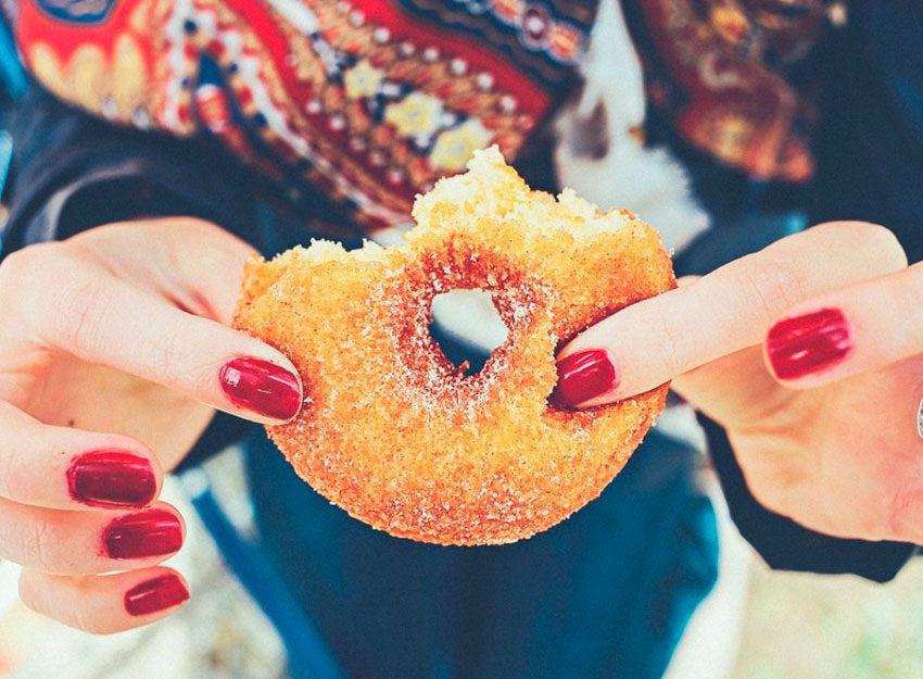 Как правильно есть сладости при похудении