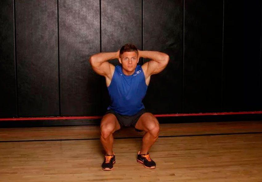Тренировка ног – приседания и выпады