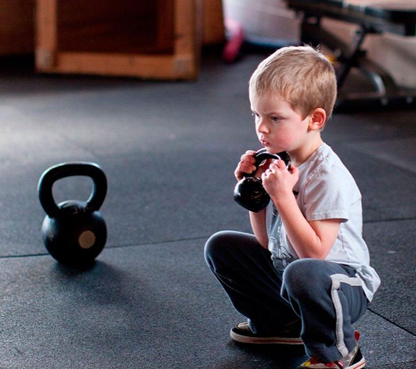 Тренировки молодых  бодибилдеров