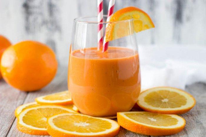 Мандариновый смузи с морковью и сельдереем