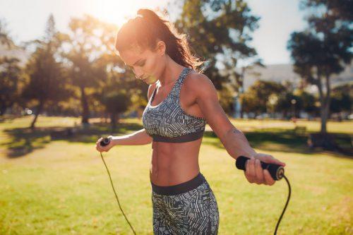 Упражнения в скакалке в целях похудения